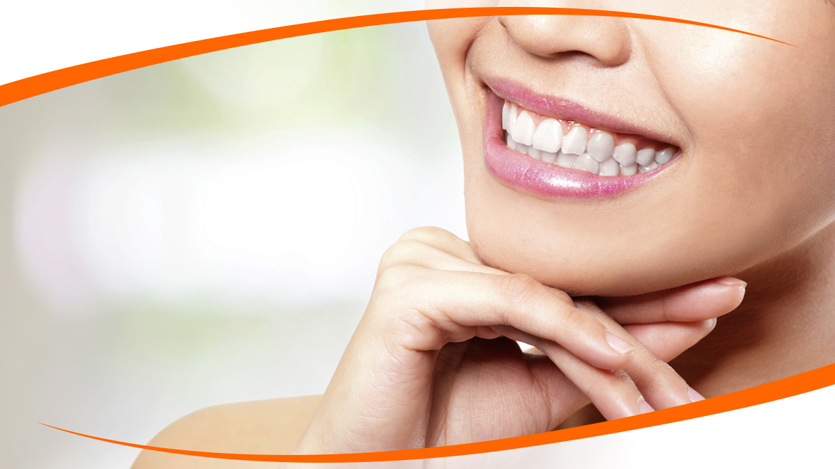 Visit to The Professional Dentist to Get Cosmetic Dentistry Service